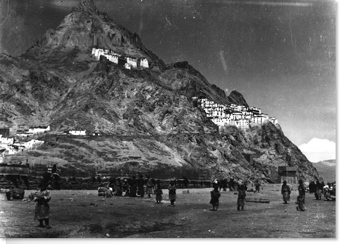 Shekar Dzong April 1924