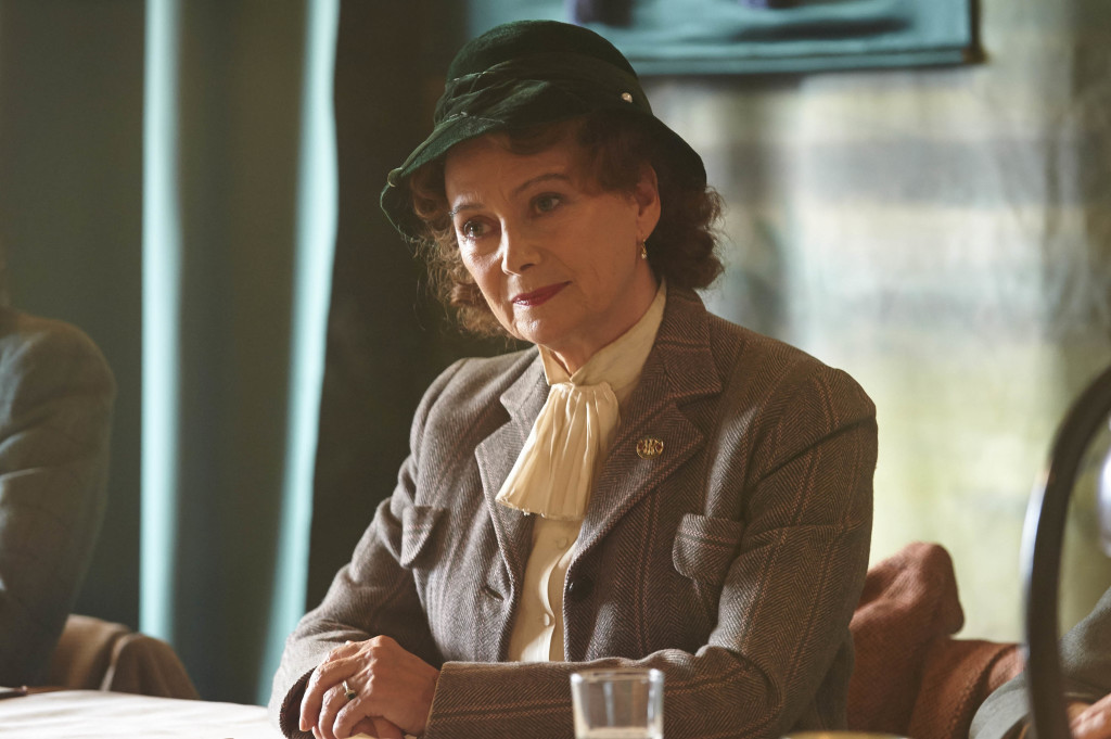 ITV STUDIOS PRESENTS HOME FIRES EPISODE 1 Pictured : FRANCESCA ANNIS as Joyce Cameron. Photographer: STUART WOOD This image is the copyright of ITV and must be credited. The images are for one use only and to be used in relation to Home Firs, any further charge could incur a fee.
