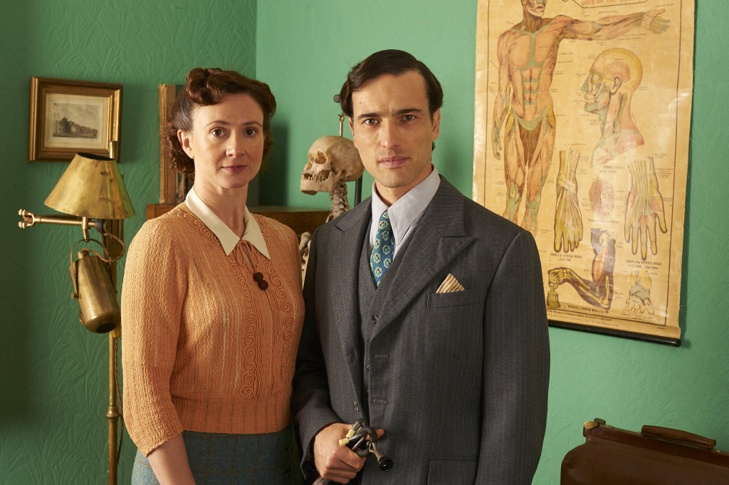 ITV STUDIOS PRESENTS HOME FIRES EPISODE 1 Pictured :FRANCES GREY as Erica Campbell and ED STOPPARD as Will Campbell. Photographer: STUART WOOD This image is the copyright of ITV and must be credited. The images are for one use only and to be used in relation to Home Firs, any further charge could incur a fee.