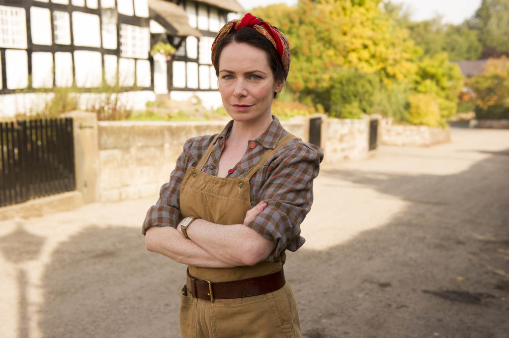 ITV STUDIOS PRESENTS HOME FIRES EPISODE 3 Pictured: CLARE CALBRAITH as Steph Farrow.. This image is the copyright of ITV and must only be used in relation the HOME FIRES on ITV.